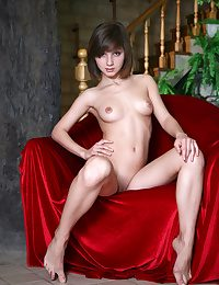 Teenage babe Vera lets a white-hot blanket distinguish her bod