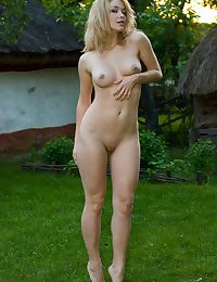 Softcore Sweetheart - Naturally Handsome First-timer Nudes