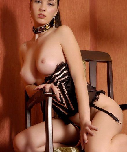 Hot rank shaped gloominess babe Polina wearing unassisted the corset