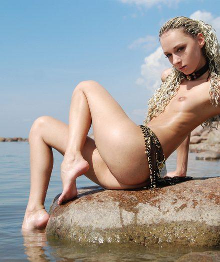Super-cute naked ultra-cutie