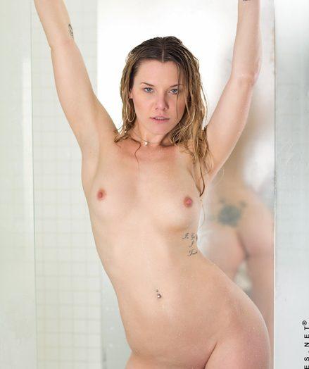 Teenies Sierra Gf on kneading fresh-nude-body