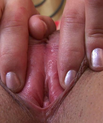 Amateur Teen Jane Shows her Pussy and Asshole in Close Up!