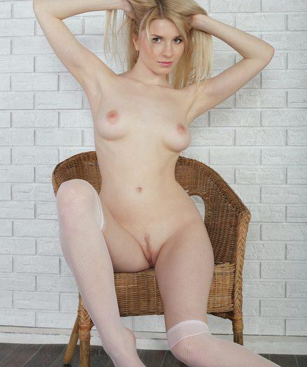 Nice naked lady