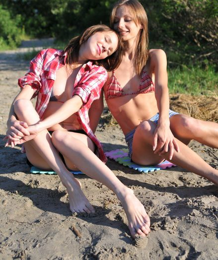 Girl/girl teenies posing