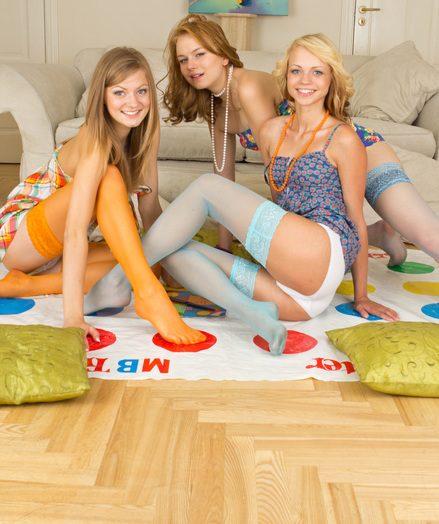 3 nubile stunners posing