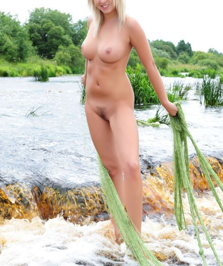Softcore Ultra-cutie - Naturally Wonderful Fledgling Nudes