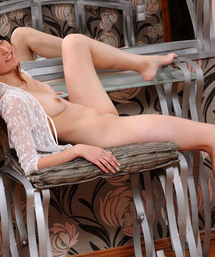 Vulva to demonstrate